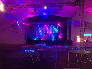 HOT Sound in Cloppenburg - Germany r o c k s with FOS fixtures